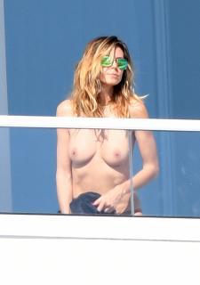 Heidi Klum in Topless [2118x3000] [634.24 kb]