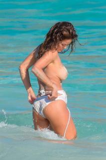 Brooke Burke in Topless [1000x1500] [237.32 kb]