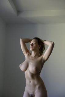 Olga Kobzar Desnuda [864x1295] [94.73 kb]