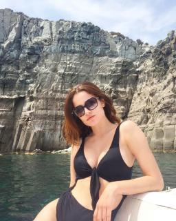 Giulia Elettra Gorietti en Bikini [1080x1349] [364.66 kb]