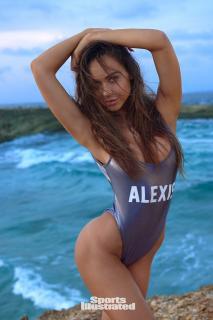 Alexis Ren en Si Swimsuit 2018 [1280x1920] [373.3 kb]