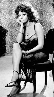 Sophia Loren [445x800] [50.64 kb]