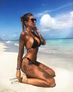 Mireia Pairó in Bikini [1080x1350] [207.32 kb]