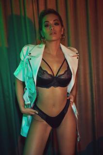 Rita Ora en Vanity Fair [2600x3897] [1649.29 kb]