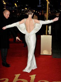 Anne Hathaway [2496x3361] [905.02 kb]