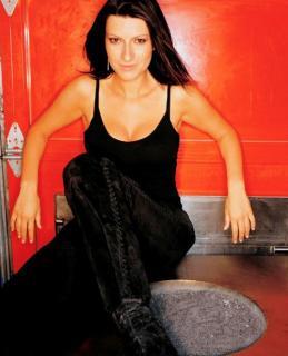 Laura Pausini [500x617] [41.02 kb]