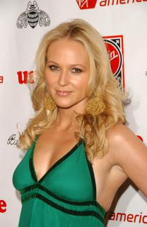 Jewel Kilcher [1960x3008] [395.49 kb]