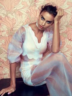 Irina Shayk en Vogue [1208x1591] [413.98 kb]