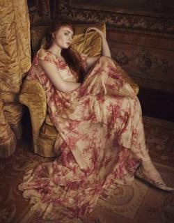 Sophie Turner [1536x1960] [660.27 kb]