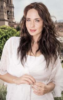 Adriana Louvier [600x943] [119.04 kb]