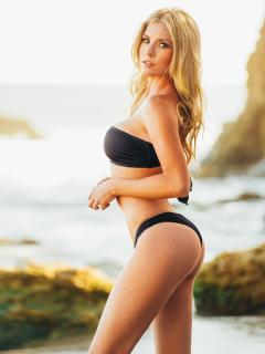 Carly Lauren en Bikini [1536x2048] [602.05 kb]
