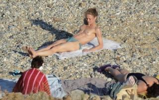 Vanessa Paradis en Topless [2150x1353] [534.49 kb]