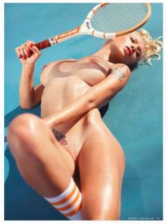Natasha Legeyda en Playboy [973x1304] [196.49 kb]