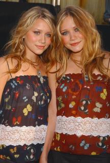 Mary-Kate y Ashley Olsen [1866x2760] [982.06 kb]
