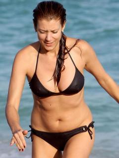 Kate Walsh en Bikini [900x1200] [104.14 kb]