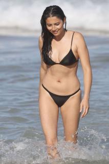 Jessica Gomes en Bikini [1360x2040] [291.57 kb]