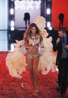 Victorias Secret Show 2006 [1200x1724] [333.62 kb]