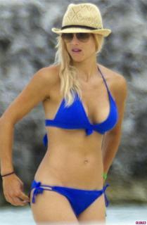 Elin Nordegren en Bikini [600x918] [75.75 kb]