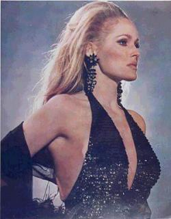 Ursula Andress [300x384] [23.13 kb]
