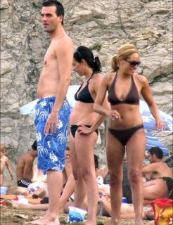 Luján Argüelles en Bikini [423x550] [56.01 kb]
