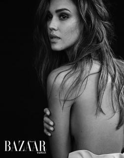 Jessica Alba [980x1241] [232.59 kb]