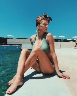 Caroline Vreeland en Bikini [1080x1350] [160.72 kb]