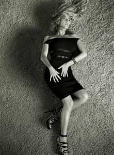 Kate Winslet en Elle [1473x2000] [610.99 kb]