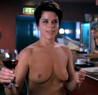 Neve Campbell Nude [815x793] [52.46 kb]