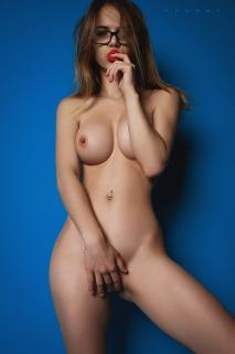 Alexandra Smelova [1333x2000] [475.48 kb]