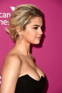 Selena Gomez [683x1024] [119.72 kb]