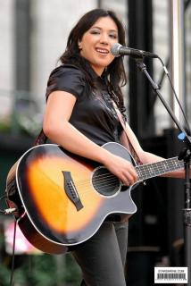 Michelle Branch [602x900] [90.22 kb]