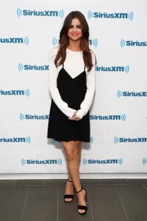 Selena Gomez [740x1110] [124.67 kb]