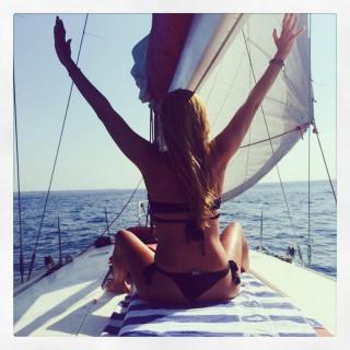 Berta Collado en Bikini [640x640] [77.52 kb]