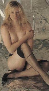 Anna Falchi Desnuda [324x600] [39.52 kb]