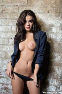 Alexandra Tyler en Playboy Desnuda [683x1024] [220.74 kb]