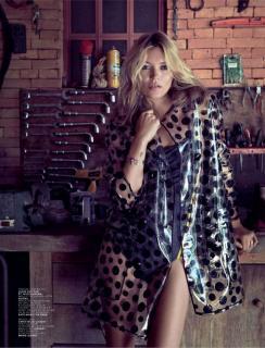 Kate Moss [800x1047] [118.65 kb]