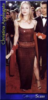 Christina Applegate [365x759] [58.77 kb]