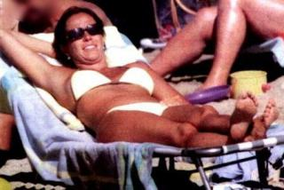 Cristina Parodi en Bikini [448x300] [31.56 kb]