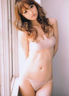Yūko Ogura [581x800] [78.76 kb]