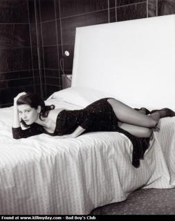Catherine Zeta Jones [573x723] [50.06 kb]