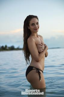 Alexa Ray Joel en Si Swimsuit 2017 [1280x1920] [188.82 kb]