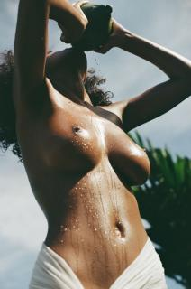 Nereyda Bird en Playboy Desnuda [928x1400] [211.28 kb]