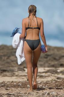 Kelly Rohrbach en Bikini [1150x1725] [306.52 kb]
