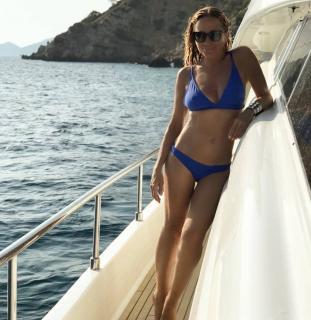 Marta Sánchez in Bikini [1080x1108] [164.82 kb]