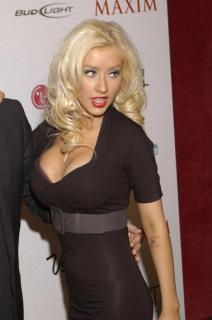 Christina Aguilera [681x1024] [85.74 kb]