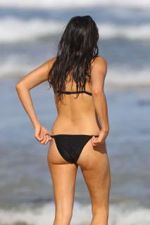 Jessica Gomes en Bikini [1360x2040] [190.26 kb]