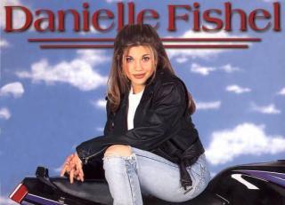 Danielle Fishel [550x398] [27.38 kb]