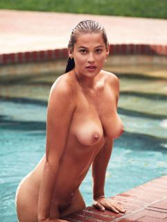 Megan Moore en Playboy Desnuda [1276x1689] [274.82 kb]