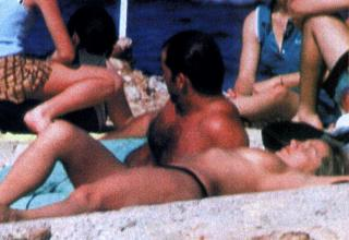 Cristina Tàrrega en Topless [850x586] [80.95 kb]