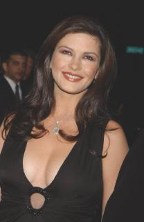 Catherine Zeta Jones [782x1200] [90.4 kb]